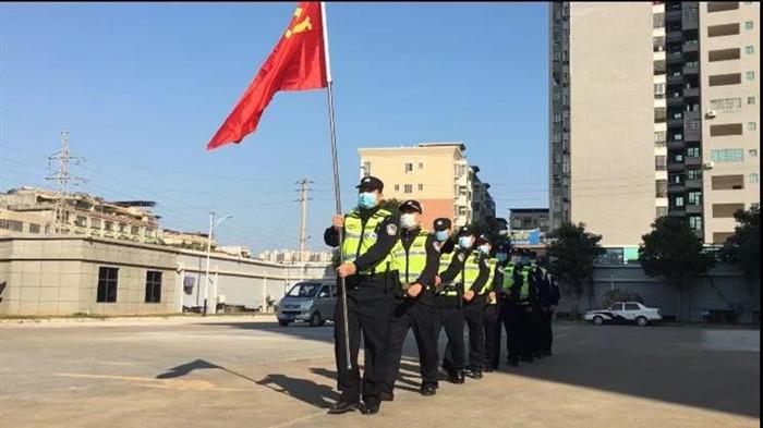 【众志成城战疫魔】龙圩警方党员突击队开展疫情联防联控...